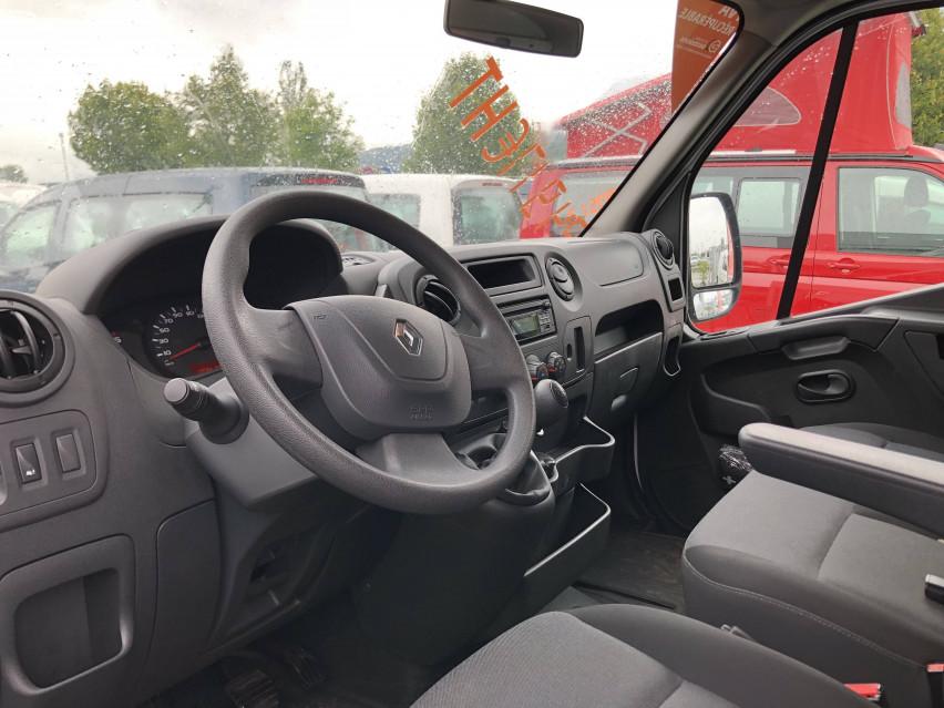 RENAULT MASTER CHASSIS DBLE CAB MASTER 2.3dCi  L2H1 3.5t 130CH Plateau double cabine 28/08/2019                                                      en vente à La Motte-Servolex - Image n°11