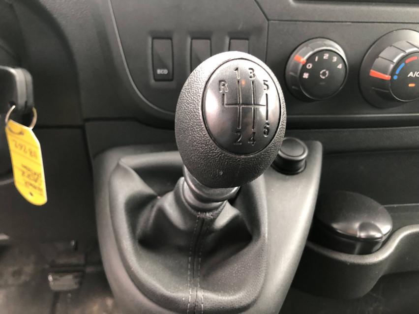 RENAULT MASTER CHASSIS DBLE CAB MASTER 2.3dCi  L2H1 3.5t 130CH Plateau double cabine 28/08/2019                                                      en vente à La Motte-Servolex - Image n°13