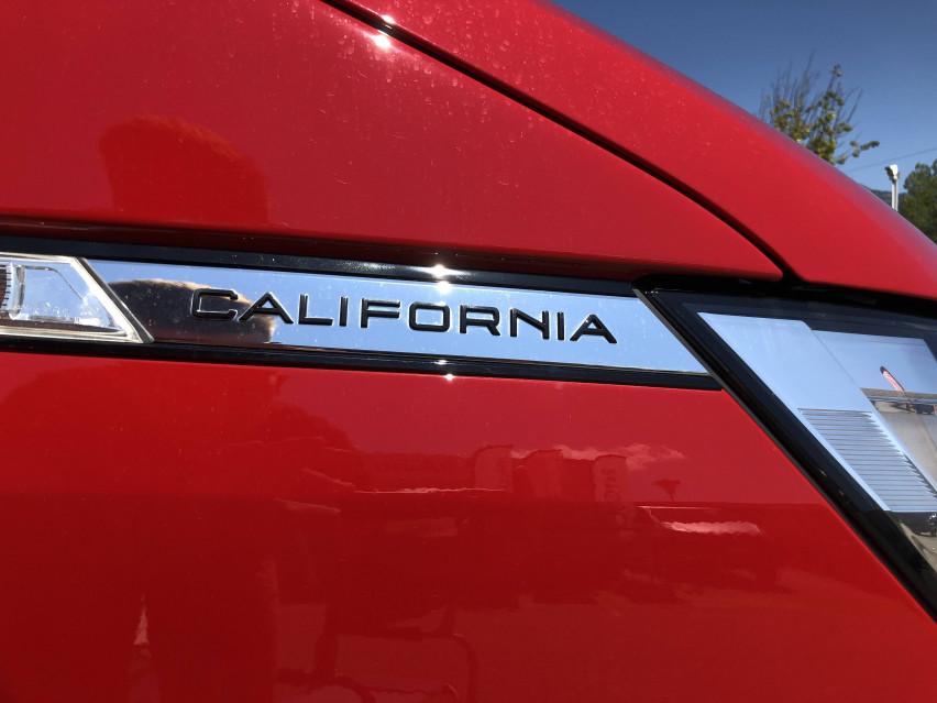 VOLKSWAGEN CALIFORNIA 6.1 California 2.0 TDI 110 BMT BVM5 Beach Camper 05/03/2021                                                      en vente à La Motte-Servolex - Image n°3