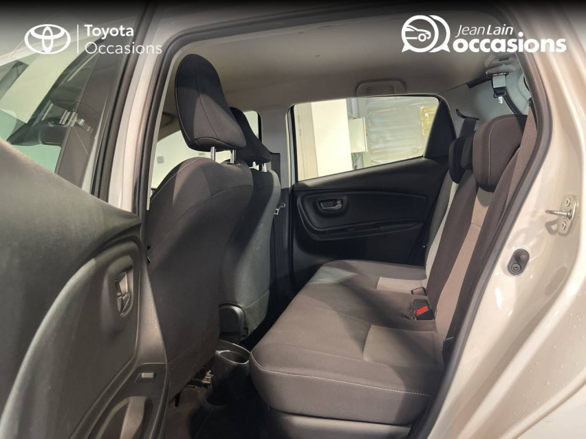 TOYOTA YARIS HYBRIDE MC2 Yaris Hybride 100h Dynamic 15/05/2018                                                      en vente à Meythet - Image n°17