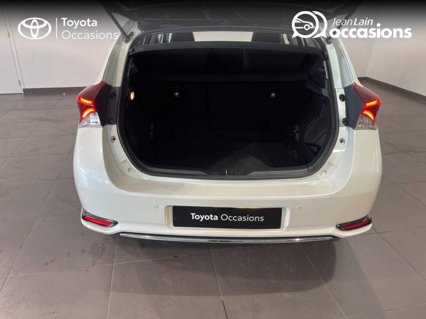 TOYOTA AURIS MY17 Auris Hybride 136h Collection 30/11/2018                                                      en vente à Meythet - Image n°10