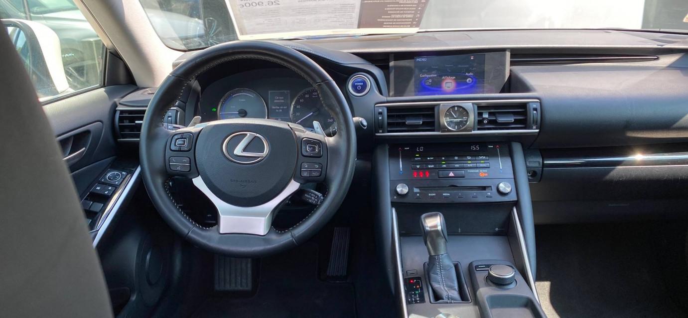 LEXUS IS IS 300h Pack Business 29/06/2017                                                      en vente à Seyssinet-Pariset - Image n°9