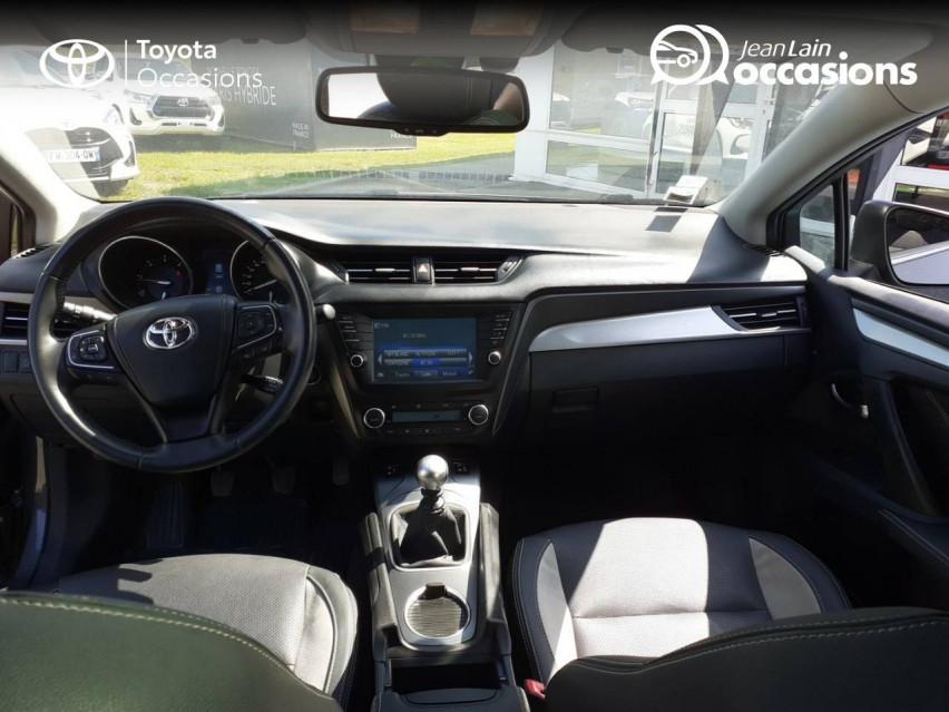 TOYOTA AVENSIS TOURING SPORTS Avensis Touring Sports 143 D-4D Executive 04/01/2017                                                      en vente à La Motte-Servolex - Image n°18