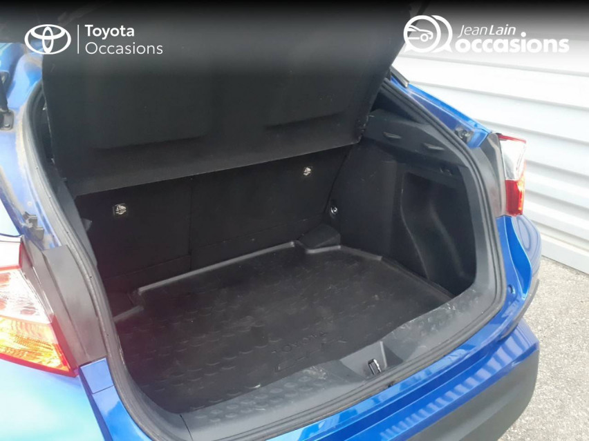 TOYOTA C-HR HYBRIDE C-HR Hybride Break 122h Dynamic 26/06/2018                                                      en vente à Valence - Image n°10