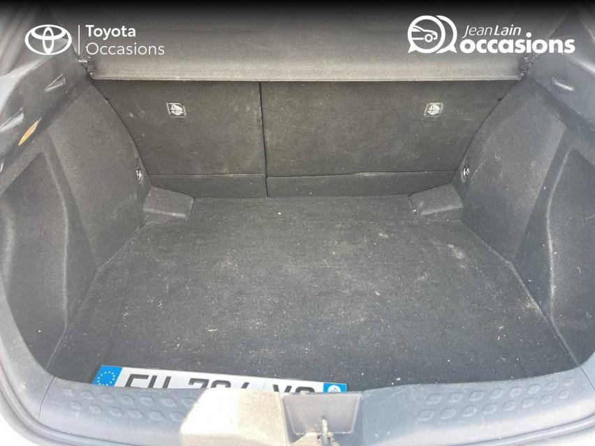 TOYOTA C-HR C-HR 1.2T CVT 4WD Dynamic 29/12/2016                                                      en vente à Tournon - Image n°10
