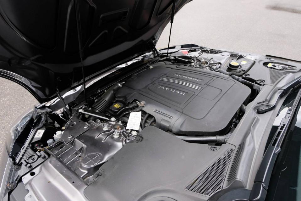 JAGUAR F-TYPE COUPE F-Type Coupé V6 3L Essence Suralimenté 340 ch BVA8 08/09/2016                                                      en vente à Grésy-sur-Aix - Image n°14
