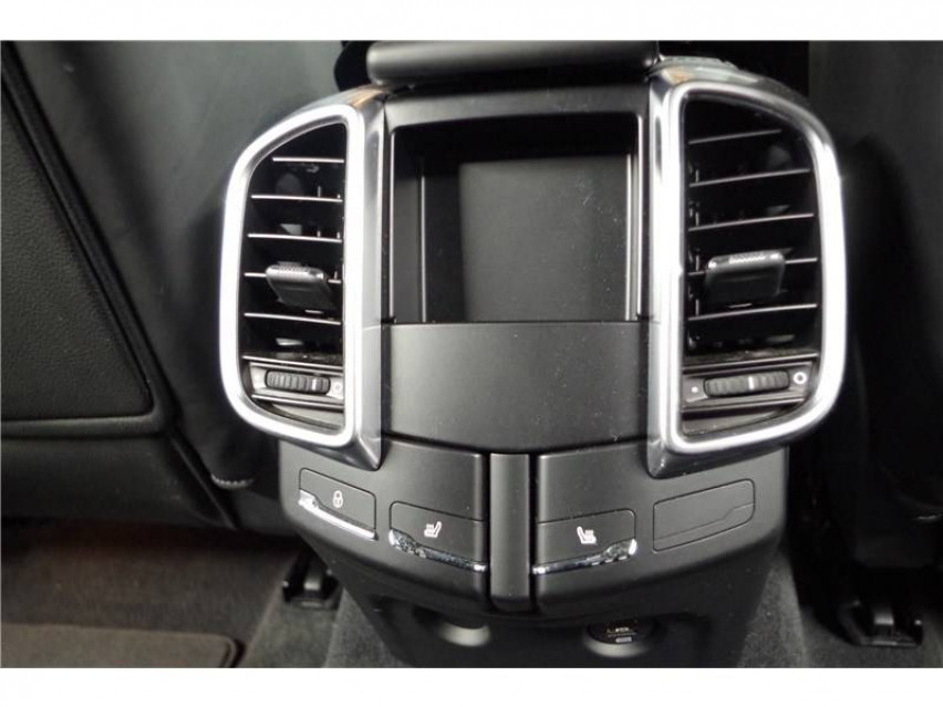PORSCHE CAYENNE Cayenne 3.6 V6 440 ch GTS Tiptronic A 16/08/2017                                                      en vente à La Motte-Servolex - Image n°12