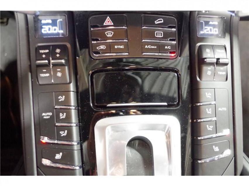 PORSCHE CAYENNE Cayenne 3.6 V6 440 ch GTS Tiptronic A 16/08/2017                                                      en vente à La Motte-Servolex - Image n°20