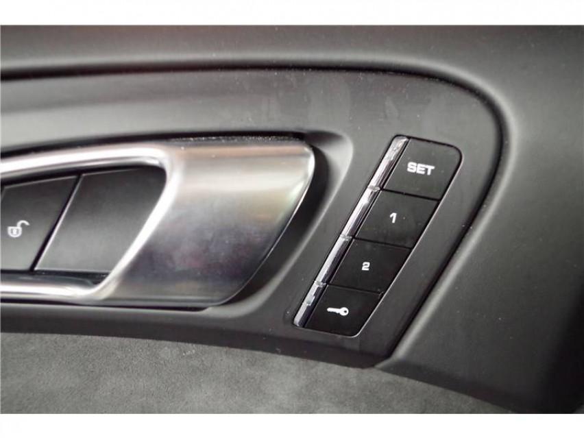 PORSCHE CAYENNE Cayenne 3.6 V6 440 ch GTS Tiptronic A 16/08/2017                                                      en vente à La Motte-Servolex - Image n°9