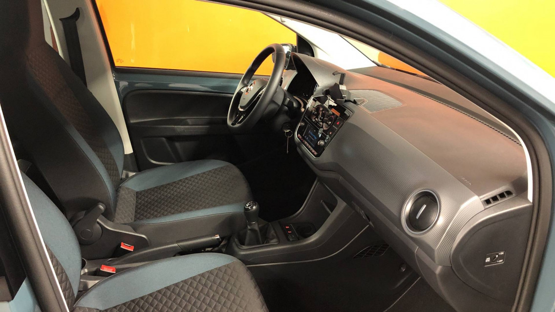 VOLKSWAGEN UP Up 1.0 60 BlueMotion Technology BVM5 Up! IQ.Drive 27/09/2019                                                      en vente à Valence - Image n°8