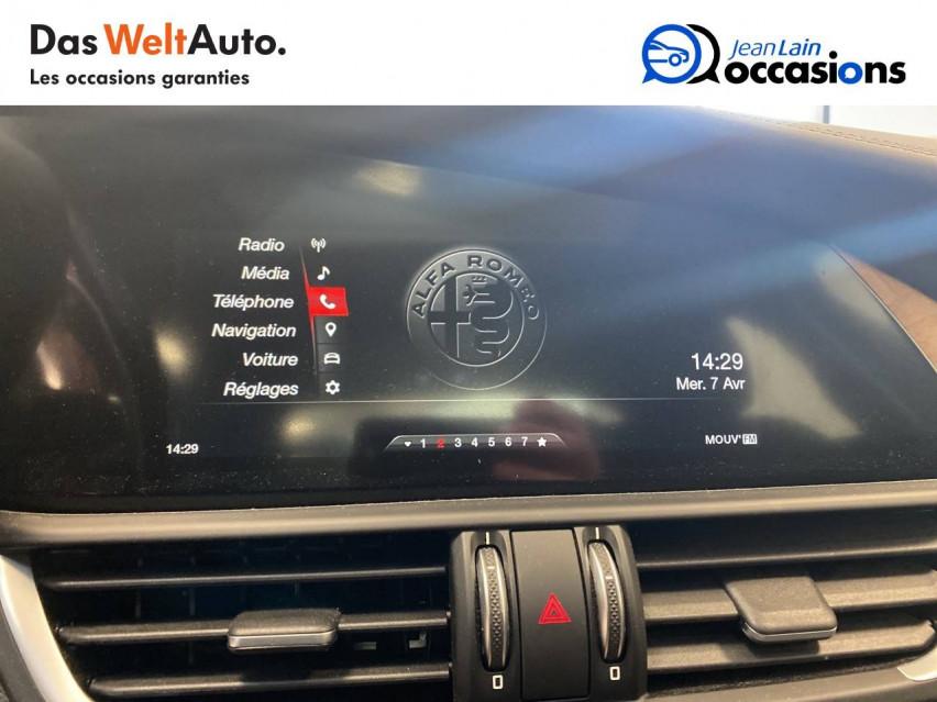 ALFA ROMEO GIULIA Giulia 2.0 TB 200 ch AT8 Lusso 31/10/2017                                                      en vente à Seyssinet-Pariset - Image n°16