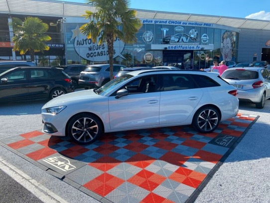 "Acheter SEAT Leon New ST 2.0 TDI 150 DSG FR Export GPS JA 18"" LEDS chez SN Diffusion"