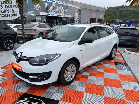 Acheter RENAULT Megane Estate III 1.5 DCI 110 BV6 LIMITED Bluetooth chez SN Diffusion