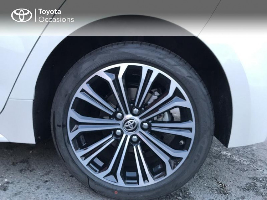 Photo voiture TOYOTA Corolla 122h Design MY20     neuve en vente à Albi à 25490 euros