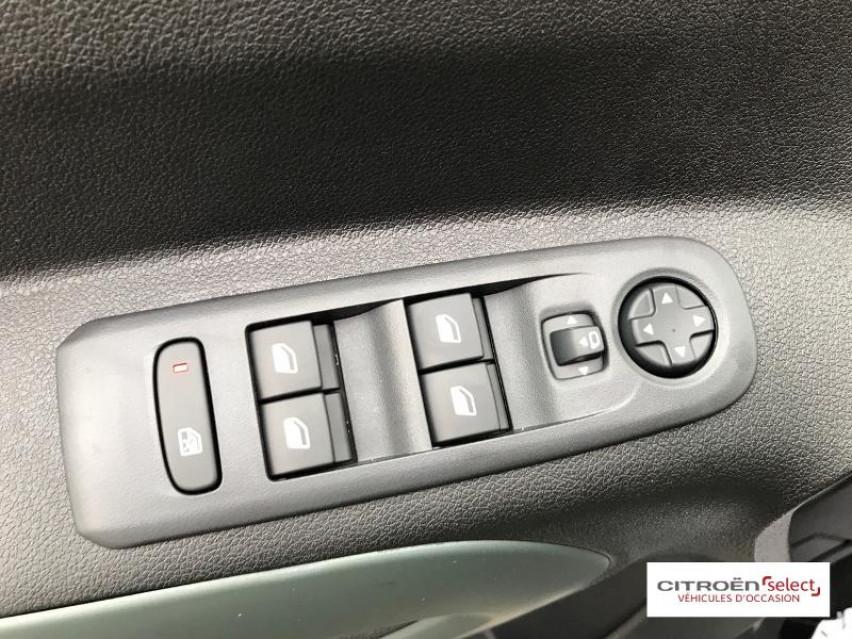 Photo voiture CITROEN Berlingo M BlueHDi 130ch S&S Shine     neuve en vente à Figeac à 27949 euros