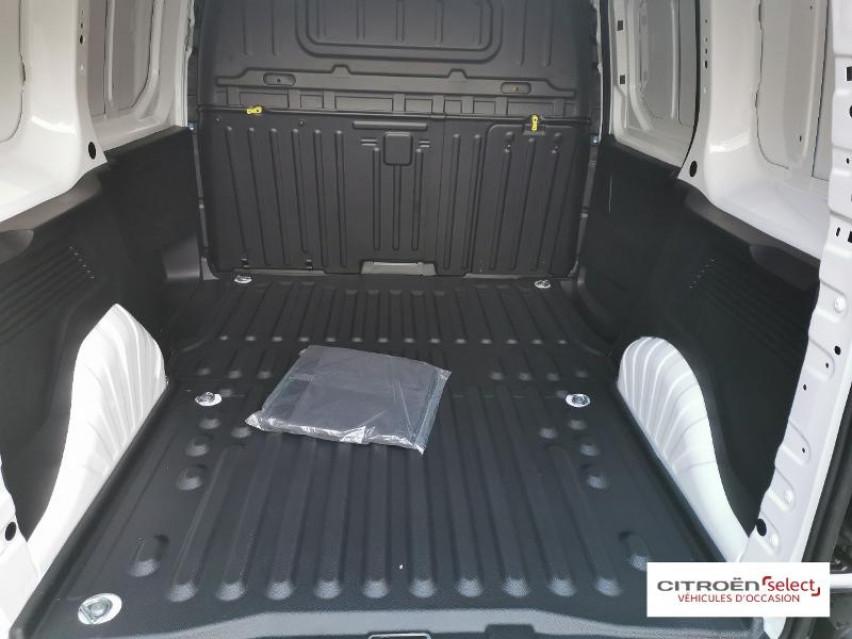Photo voiture CITROEN Berlingo Van VUL M 650kg BlueHDi 100 S&S Club     neuve en vente à Figeac à 16688 euros