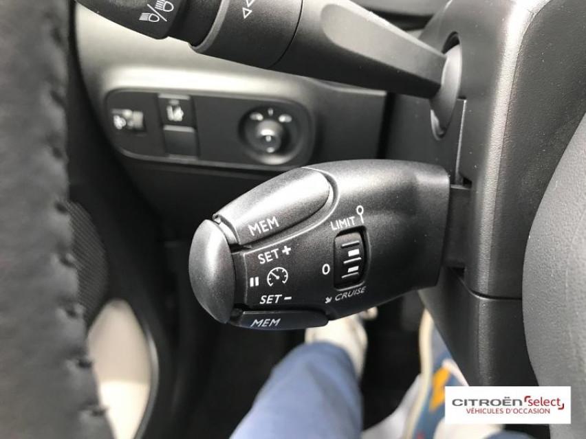 Photo voiture CITROEN C3 PureTech 110ch Shine S&S E6.d 6cv     occasion en vente à Figeac à 14990 euros