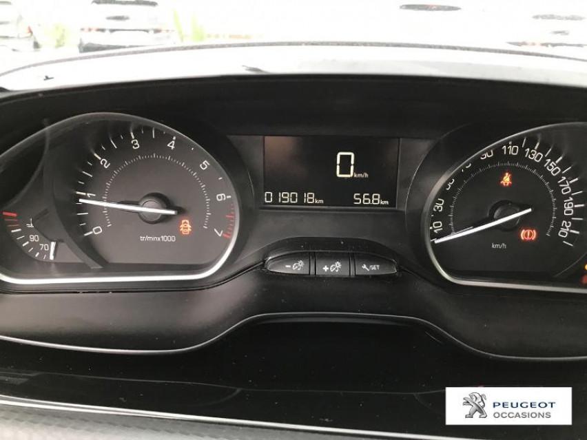 Photo voiture PEUGEOT 2008 1.2 PureTech 82ch E6.c Style S&S     occasion en vente à Castres à 13789 euros