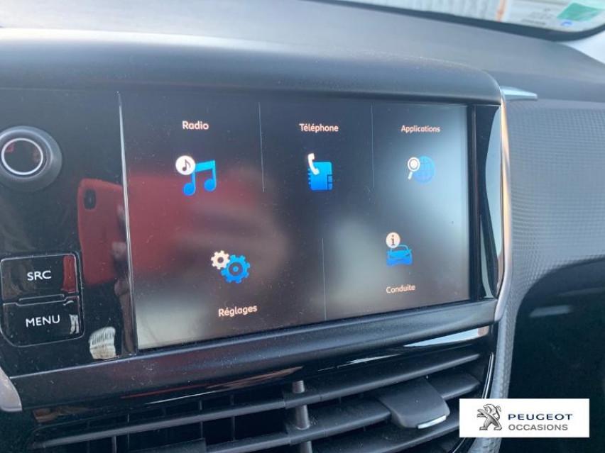 Photo voiture PEUGEOT 208 1.2 PureTech 82ch Style 5p     occasion en vente à Castres à 11298 euros