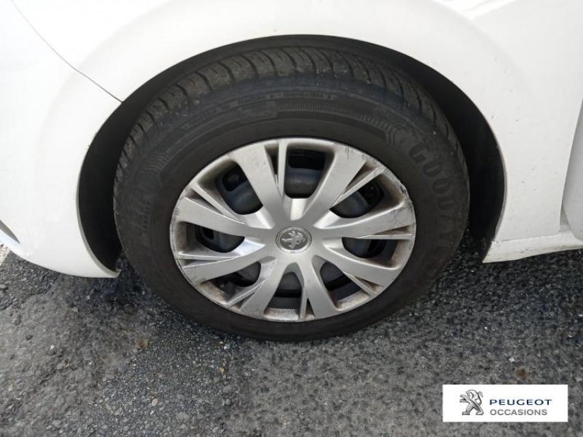 Photo voiture PEUGEOT 208 Affaire 1.6 BlueHDi 100ch Premium Pack     occasion en vente à Albi à 7990 euros