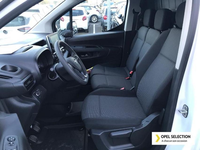 Photo voiture OPEL Combo Cargo VUL L1H1 650kg 1.5 100ch S&S Pack Clim     neuve en vente à Castres à 17350 euros