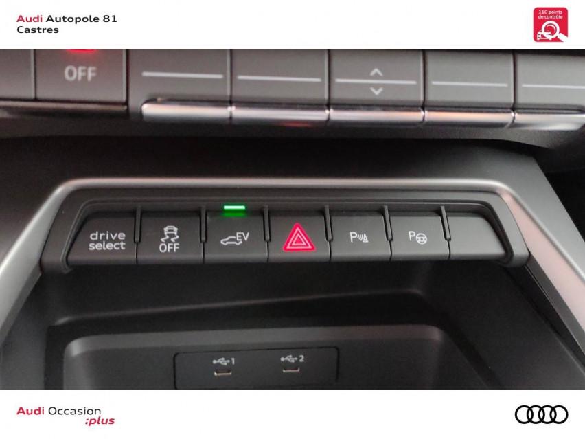 Photo voiture AUDI A3 A3 Sportback 40 TFSIe 204 S Tronic 6 S Line 5p     neuve en vente à Castres à 43379 euros