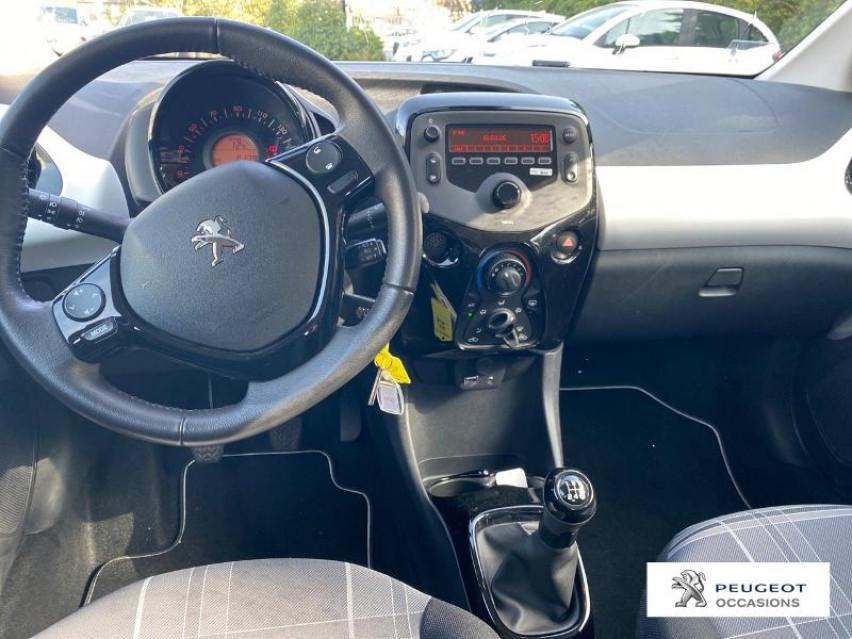 Photo voiture PEUGEOT 108 1.0 VTi Active 5p     occasion en vente à Carcassonne à 9690 euros