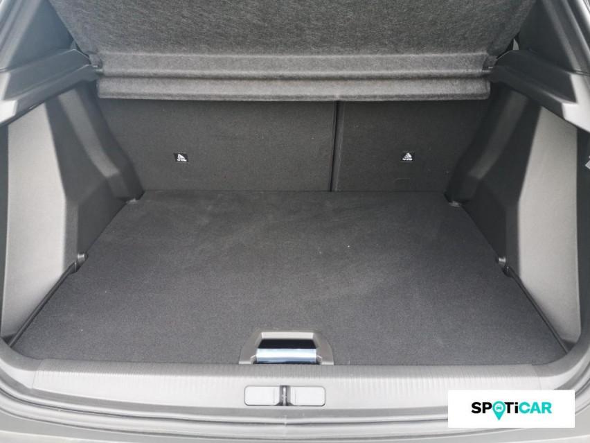 Photo voiture PEUGEOT 2008 BlueHDi 130 S&S EAT8 Allure     occasion en vente à Rodez à 27989 euros